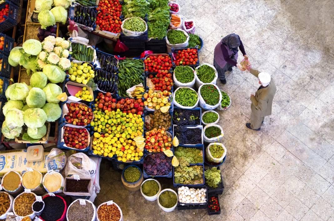 Konya'da rengarenk tezgahlarıyla asırlık Kadınlar Pazarı'na sonbahar uğramadı 2