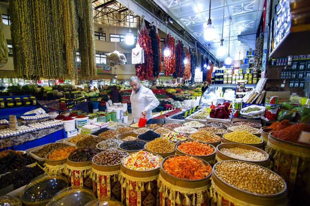 Konya'da rengarenk tezgahlarıyla asırlık Kadınlar Pazarı'na sonbahar uğramadı 8